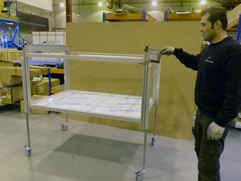 Height adjustable lifting trolley